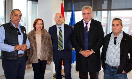 """El Alcalde de Moratalla se reúne con el Director General de SEPES para intentar solucionar la situación del polígono de """"Los Alderetes"""""""