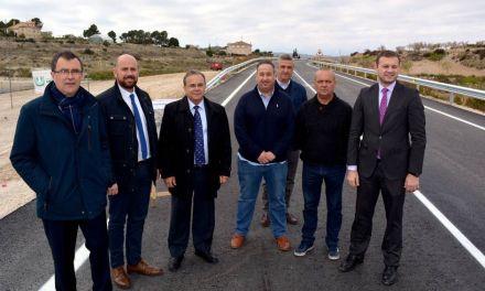 La Comunidad mejora la seguridad vial de cerca de diez kilómetros de la carretera de Barqueros