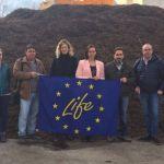 Comunidad, empresas y viticultores unen sinergias en un proyecto de economía circular para usar la poda de la vid como abono