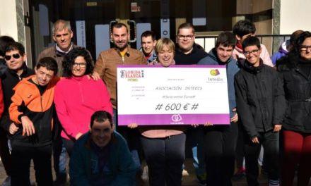 El Bar Florida hace entrega a Intedis de un donativo por las ventas de Lotería