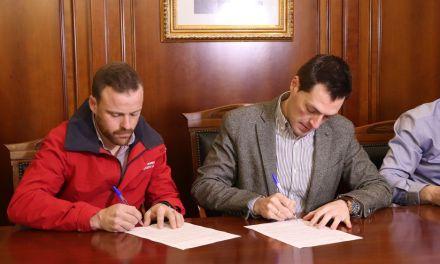 Firmado el contrato para las obras del Complejo Deportivo Loli de Gea y adjudicada la construcción del nuevo pabellón de deportes de El Almarjal