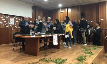 """«Escribir me ha ayudado a seguir adelante, es un exorcismo absoluto», Álvaro Lolu, autor de""""Manual de formación en laberintos"""""""