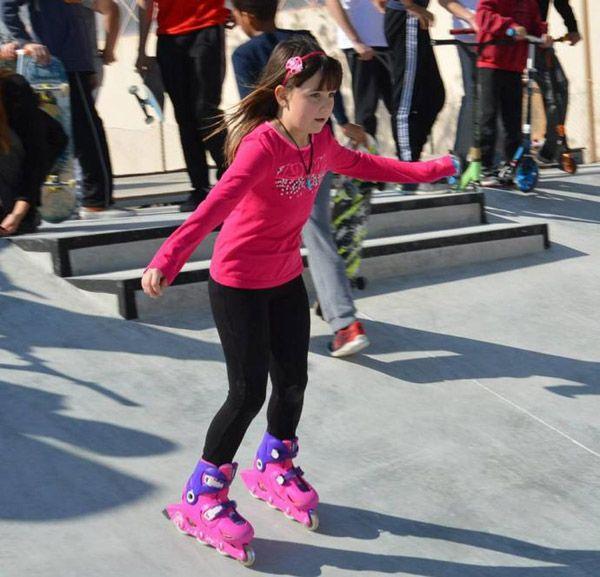 Joven patinadora