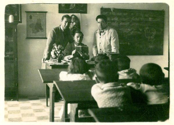 Basilio Saez en clase