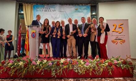 La D.O. de Bullas entrega los premios a los mejores vinos en una gala en la que conmemora su 25 aniversario