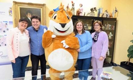 La Oficina de Turismo de Caravaca incorpora el juego interactivo para el turismo familiar 'Marco Topo'