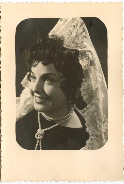 Mercedes Muñoz Marsilla. La primera Reina del Carmen