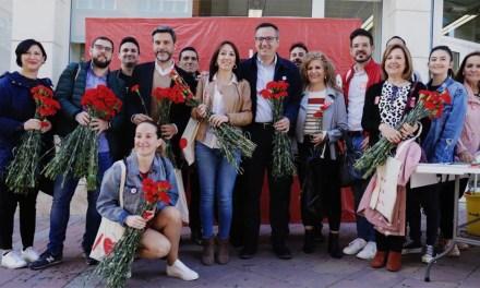 """Diego Conesa en su visita a Bullas: """"El PSOE avanza en cohesión social e incluye a los mayores de 52 años desempleados al garantizar un subsidio y aumento de la cotización"""""""