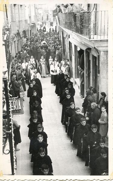Entierro del Arcipreste Tomás Hervás 1956