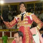 Curro Díaz sale a hombros en Calasparra
