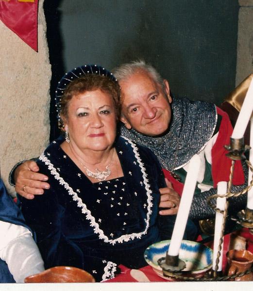 Con su esposa Lola en una cena templaria