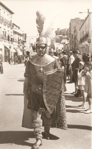Componente del grupo festero de LA BANDERA DE CARAVACA. 1967
