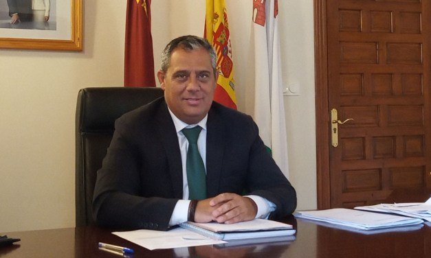 «Son unas fiestas para vivirlas en familia y con los amigos», Antonio Huéscar, alcalde de Pliego