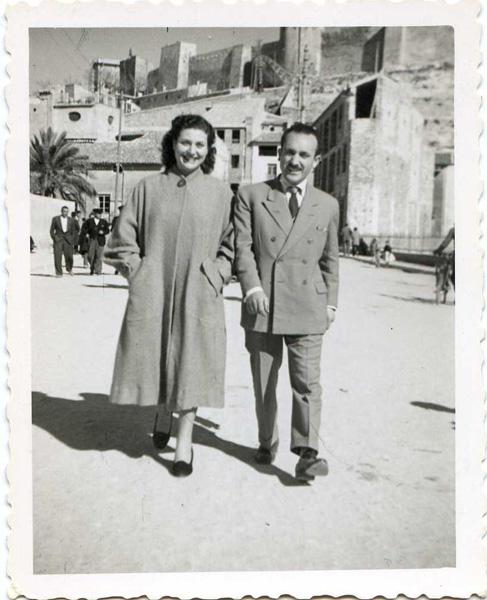 Isidro, con su mujer, en la Gran Vía