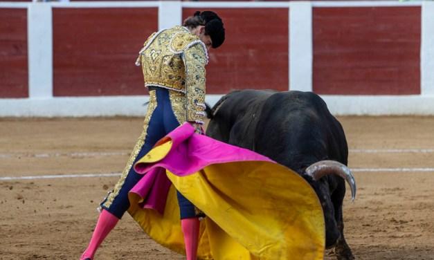 Héctor Gutiérrez y El Rafi rozan la Puerta Grande en la segunda de Calasparra