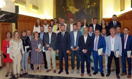 El Ayuntamiento de Caravaca presenta a los alcaldes pedáneos en un acto público celebrado en el Salón de Plenos