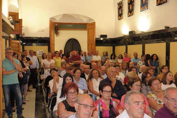 El alcalde, portavoces de los grupos políticos y el caravaqueño Antonio Aznar han tomado la palabra durante este acto, al que han sido invitados representantes de asociaciones y organizaciones vinculadas al mundo rural