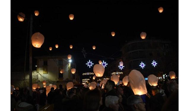 Farolillos Solidarios iluminan el cielo de Calasparra