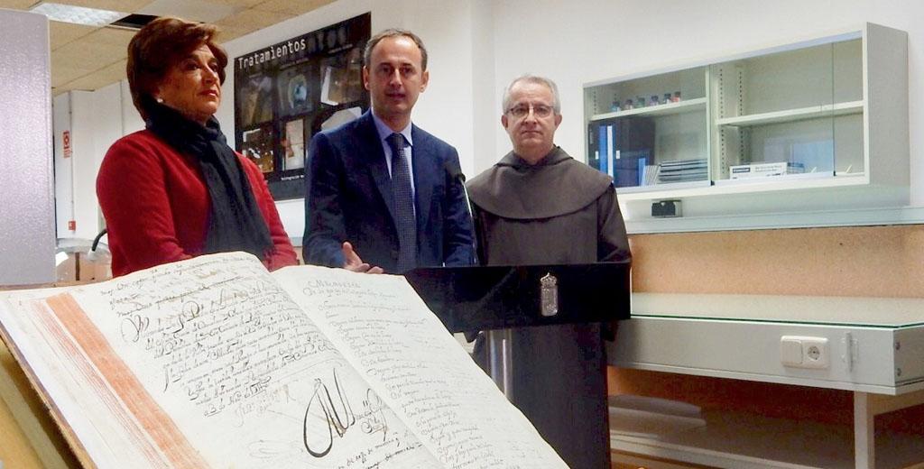 La Comunidad digitaliza más de 1,2 millones de documentos históricos pertenecientes a siete siglos de historia de la Región