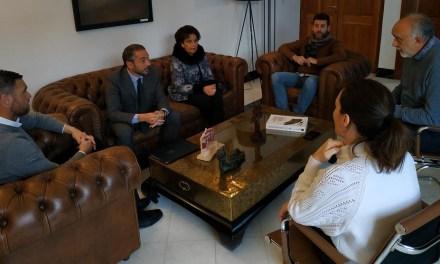 Ayuntamiento y Cofradía se reúnen con el director general de Bienes Culturales para abordar proyectos de conservación del patrimonio histórico y artístico