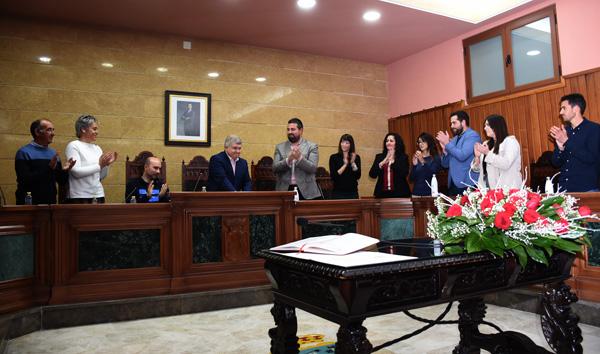 José Vélez, despedido entre aplausos