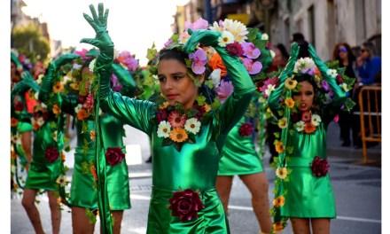 Los disfraces y la alegría toman las calles de Calasparra durante el pasacalles de su carnaval infantil 2020