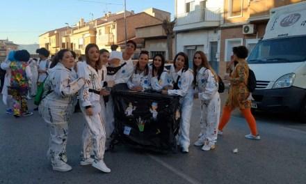 Gran colorido y alegría en un participativo desfile del Carnaval de Pliego con más de 400 participantes
