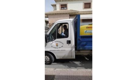 El servicio de mantenimiento inicia las labores de limpieza en Campos del Río