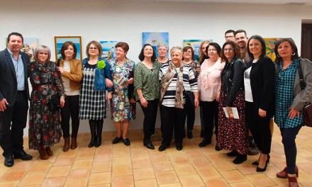 Inaugurada en Mula la exposición «Pinceladas de Mujer»