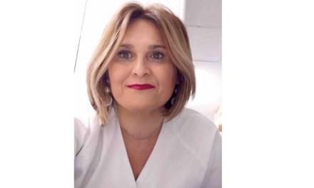 «Nos preparamos, pero la velocidad y virulencia del virus nos desbordó», Esperanza Montalbán, TCAE en la UCI del Hospital Virgen de la Arrixaca