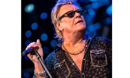 Encadenados infartos acaban con la vida del vocalista Brian Howe