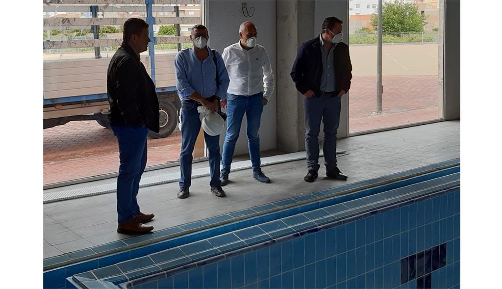 Se inician las obras de adecuación y puesta a punto de la piscina climatizada de Mula