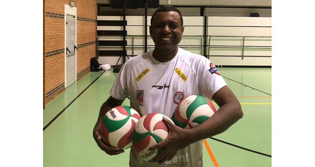 El Club Voleibol Caravaca anuncia la renovación de Eddy Carvalho