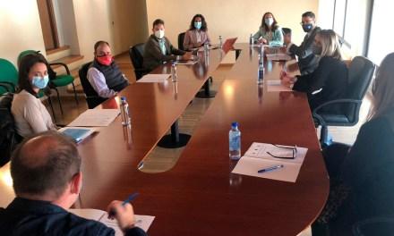 Cristina Sánchez se reúne con los hosteleros de Caravaca de la Cruz para darles a conocer las ayudas puestas en marcha por el Gobierno regional para ayudar a afrontar la actual crisis del Covid-19