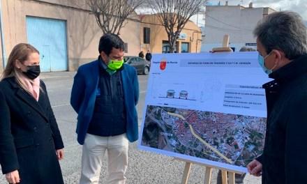 La Comunidad invierte 356.000 euros en mejorar la carretera de Murcia, la mayor en inversión en décadas en esta travesía