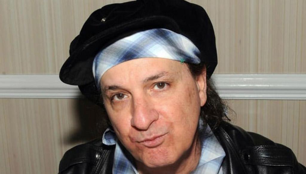 """El cáncer vence a Sylvain Sylvain, fundador de """"The New York Dolls"""""""