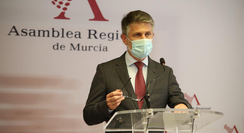 """Víctor Martínez-Carrasco: """"Conesa reconoce que el plan de ayudas del Gobierno de España a los sectores productivos es insuficiente"""""""