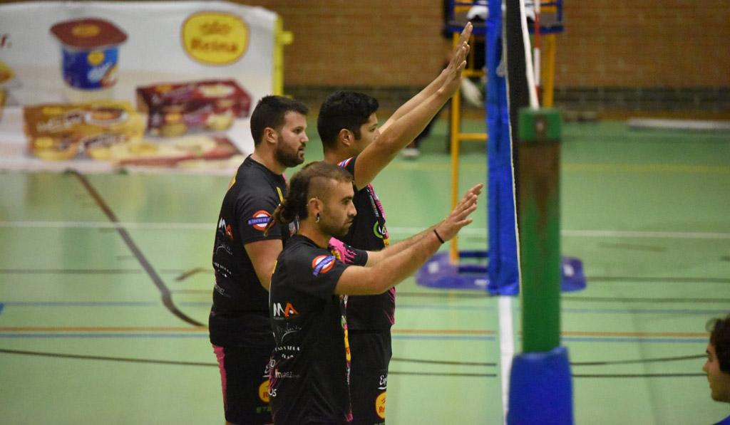 El Club Voleibol Caravaca aseguró la permanencia con una doble victoria para cerrar su temporada más difícil