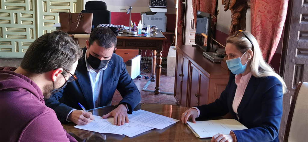 El Ayuntamiento de Cehegín cede el uso del local de los Soportales a la Asociación Cultural Alhory  para promover la difusión de la cultura