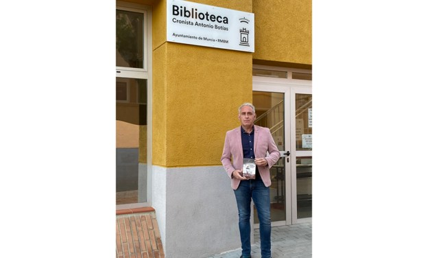 """Antonio Botías, novelista: «En """"Cuando vengan a por ti"""" podremos encontrarnos un ambiente que nos recordará algo propio, aunque impreciso, algo familiar y cercano»"""