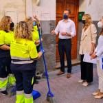 El Ayuntamiento de Caravaca refuerza la limpieza de calles con un programa que da empleo y formación