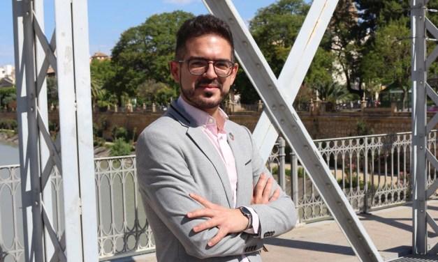 Antonio José Espín, diputado socialista en la Asamblea Regional: «Nuestro proyecto es eminentemente municipalista y las necesidades de todas las comarcas ejercen el mismo peso en nuestra acción política»