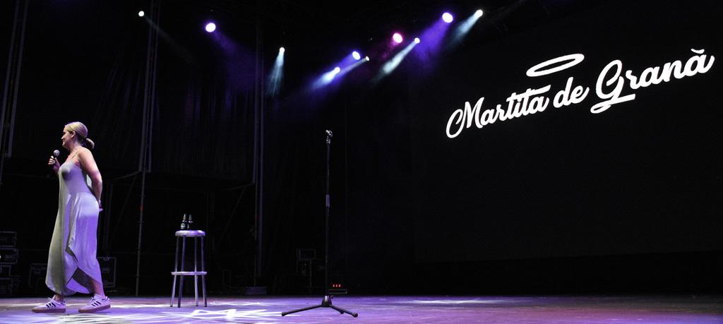 Aforo completo en el gran espectáculo de Martita de Graná en Calasparra