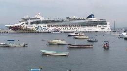 El crucero Norwegian Gem en el puerto de Manzanillo | Foto: Noticias Manzanillo