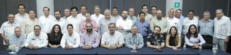 Consejos Agroalimentarios de Colima, Chiapas, Hidalgo, Guanajuato, Jalisco y Nayarit, en API Manzanillo con líderes portuarios, autoridades estatales y empresarios. | Foto: Especial