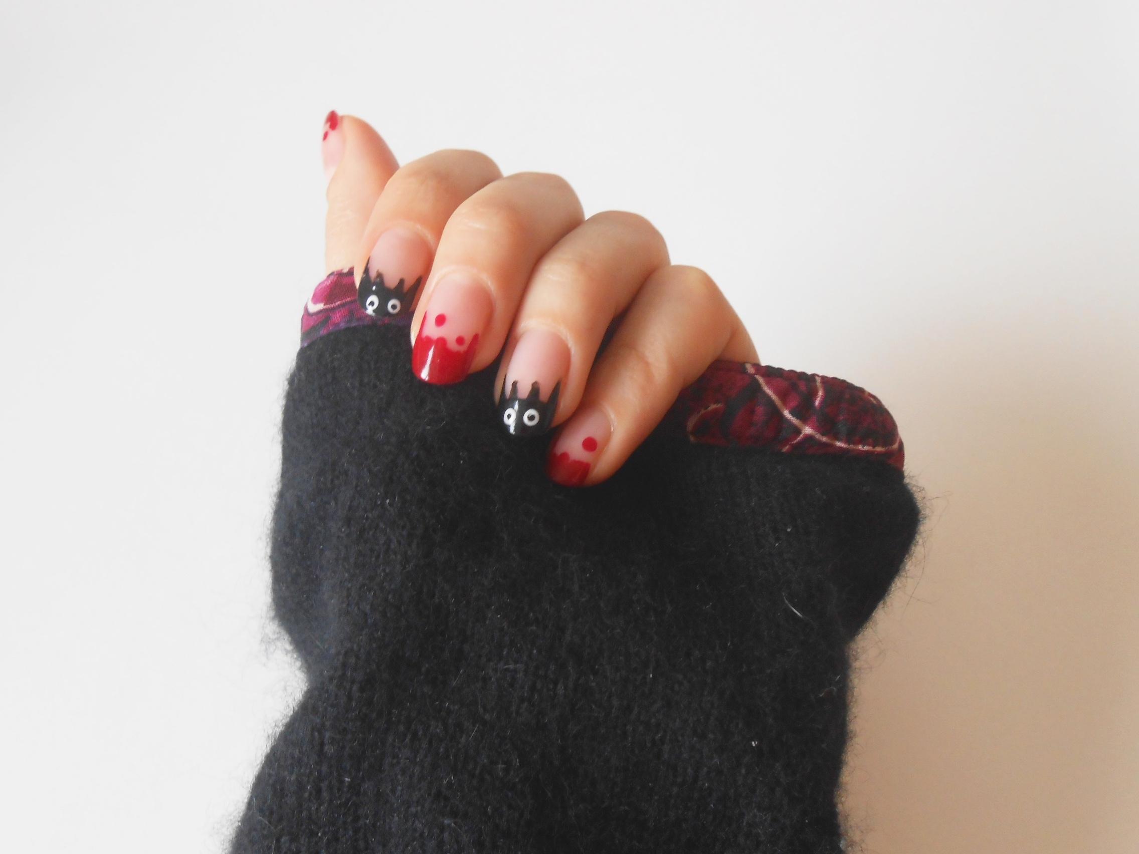 Des Chauves-souris & du Sang pour Halloween – Nail art