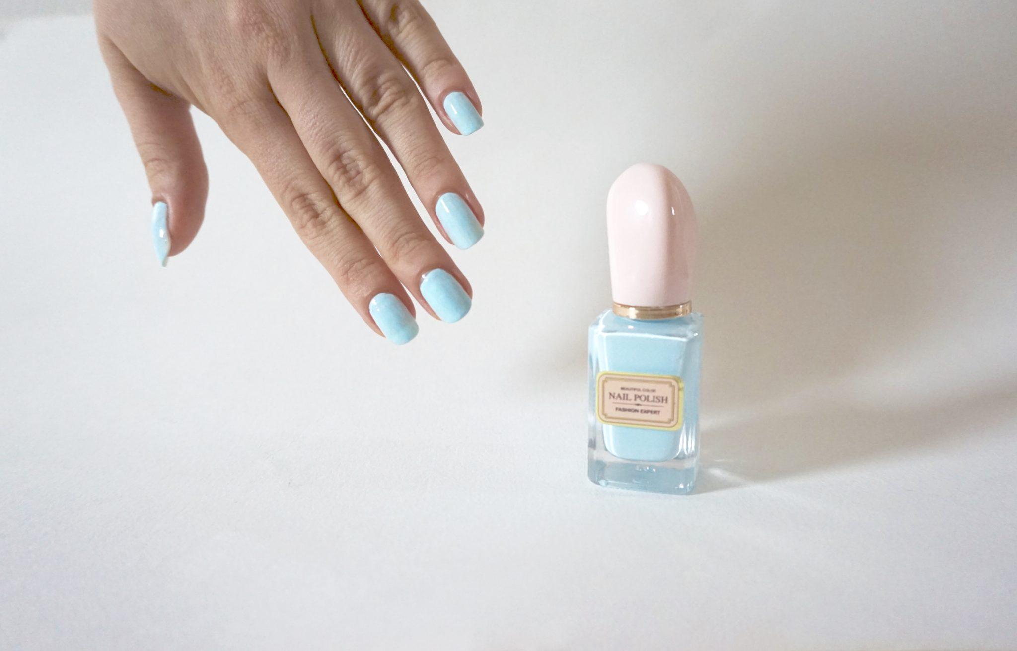 Le vernis bleu japonnais de chez Miniso