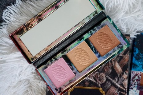 Avis Illuminateur Mother of Dragons Urban Decay