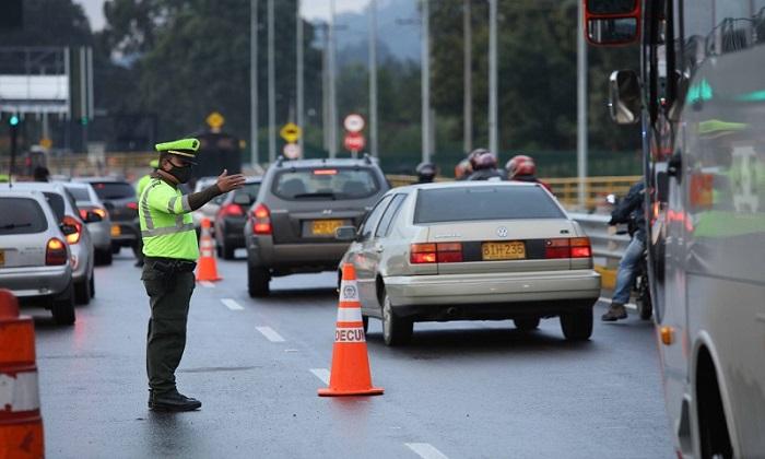 ¡HAY PLATA! Un millón 100 mil vehículos se movilizarán por Cundinamarca este puente festivo