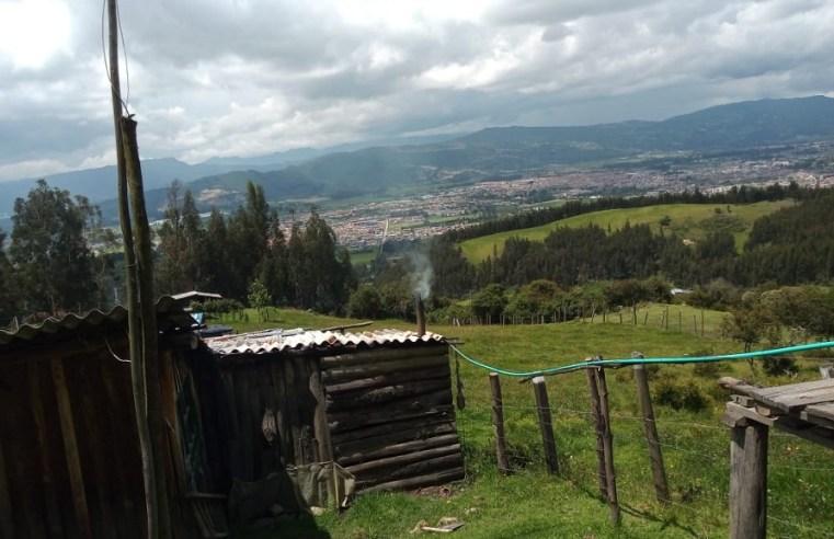 Cajicá: en La Cumbre caminan un kilómetro para abastecerse de agua